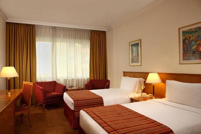 فندق سويس بلهوتل الشارقة من الفنادق التي تضم فريق عمل احترافي جعلته الأفضل بين فنادق 4 نجوم في الشارقة