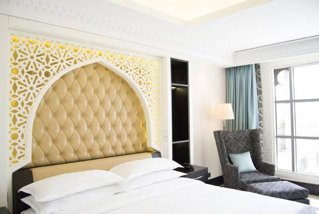 فندق شيراتون الشارقة من الخيارات التي يُفضلها السُيّاح بين افضل منتجعات الشارقة