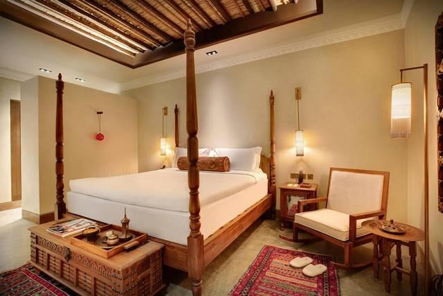 فندق البيت الشارقة من الفنادق التي تضم فريق عمل احترافي ليختاره السُيّاح من بين افضل منتجعات الشارقة