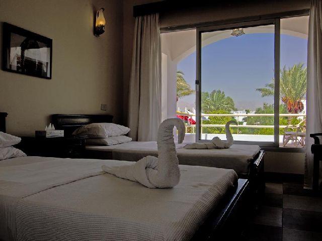 جمال غرفة قياسية في فندق اوناس دايف كلوب شرم الشيخ من بين فنادق شرم الشيخ 2 نجمه
