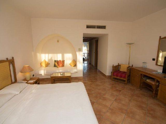 فنادق هضبة ام السيد شرم الشيخ الشهيرة والتي تحتوي على فندق رويال هوليداى شرم الشيخ