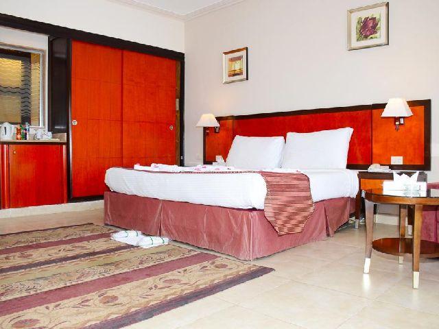 أحد غرف مجموعة فنادق شرم الشيخ 4 نجوم خليج نبق وهو فندق ريحانة شرم الشيخ