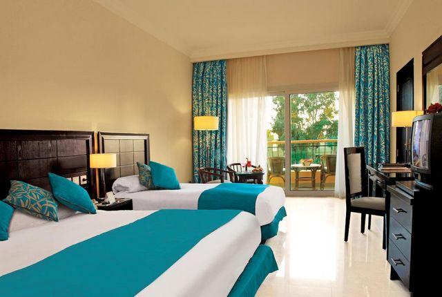 فندق سيرا من افضل فنادق شرم الشيخ 5 نجوم خليج القرش