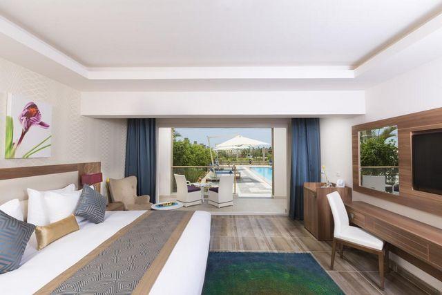 تضم فنادق 5 نجوم شرم الشيخ الهضبة مسبحًا في الهواء الطلق وسبا ومركزًا صحيًا
