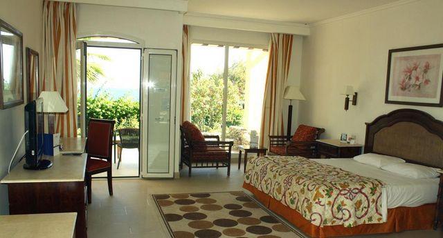 فنادق 5 نجوم شرم الشيخ الهضبة تتميز بوجود مرافق مائية ترفيهية عالمية