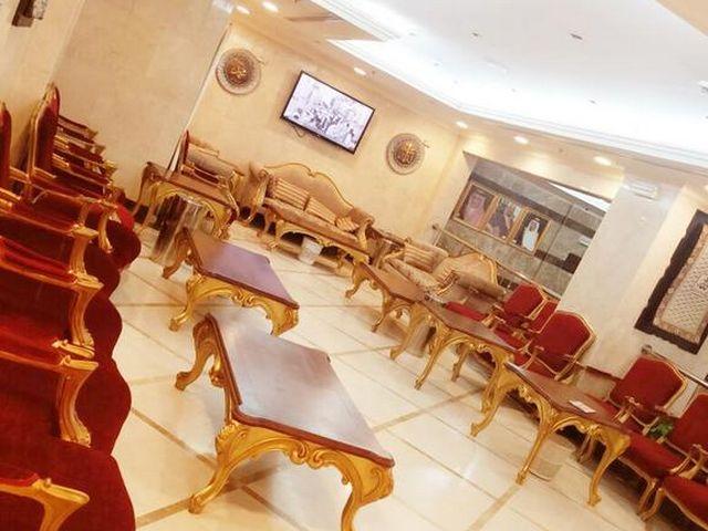 فندق طيبة في المدينة المنورة الذي يتمتع بطراز كلاسيكي وموقع مثالي من المطاعم والمعالم السياحية