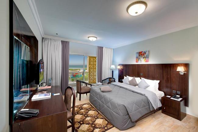 منتجعات في الشارقة رخيصة بإطلالة على البحر مع غُرف رائعة ونظيفة
