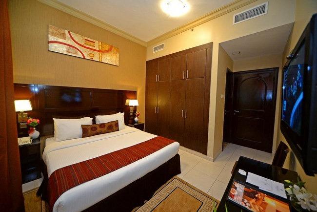 غُرف شاملة المرافق مع فنادق الشارقه شارع الكورنيش