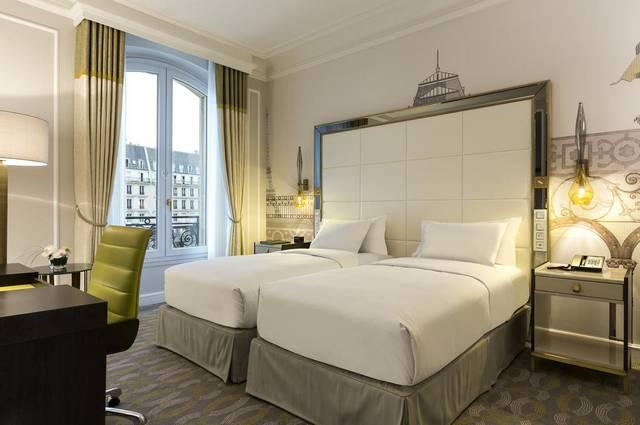 يُعد  فندق هيلتون شانزليزيه باريس، وبفضل موقعه الحيوي افضل فنادق باريس لشهر العسل