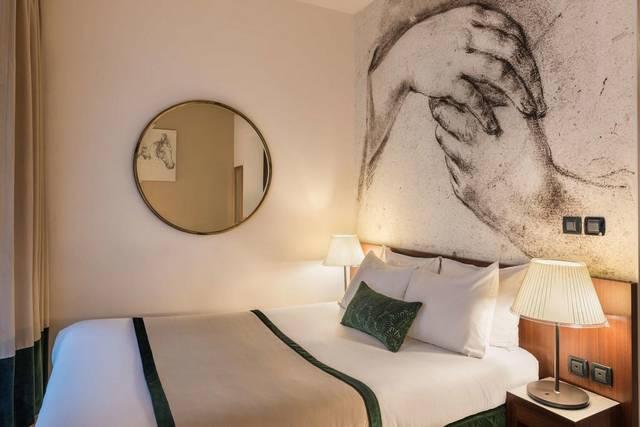 تتميّز  فندق موناليزا شانزليزيه بضمه للعديد من الخدمات التي جعلته من افضل فنادق باريس لشهر العسل