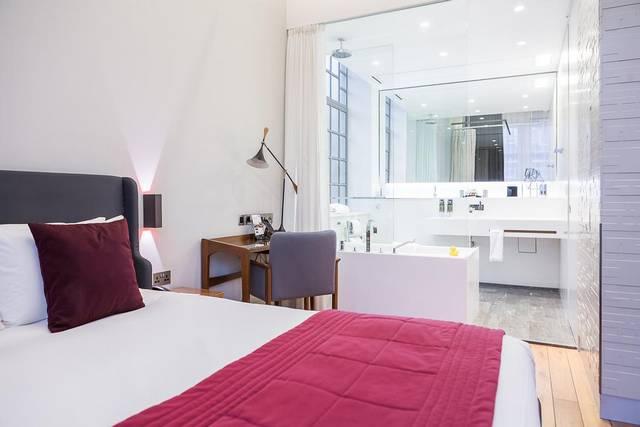 تُعد   فندق وشقق تاون هول من افضل شقق عائلية في لندن لكونها تتميز بموقع رائع