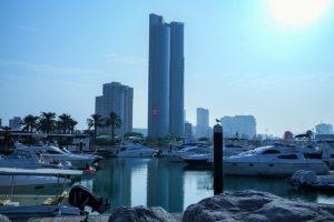 أروع الخدمات وأجمل المرافق في فندق قريب من مارينا مول الكويت