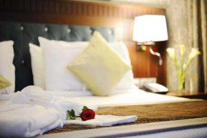 غُرف رومانسية في افضل فنادق المدينة المنورة للعرسان