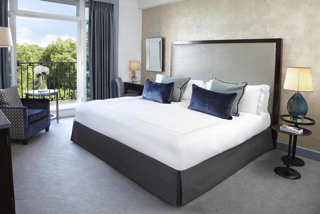 حجز فنادق في لندن تضّم غُرف فاخرة مع مفروشات راقية