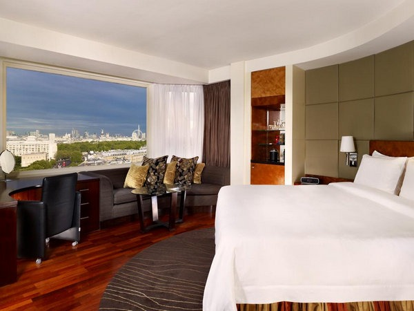 اجمل الفنادق في لندن توفر غُرف بإطلالة جميلة