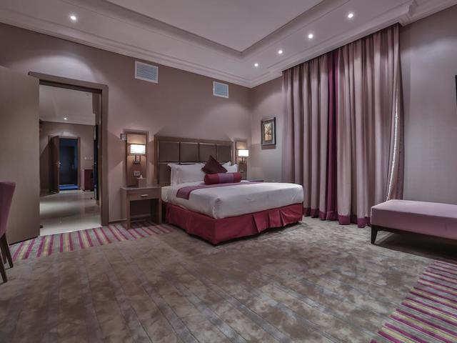 تجمع منتجعات غرب الرياض بين فخامة فنادق غرب الرياض وجمال ورفاهية المرافق