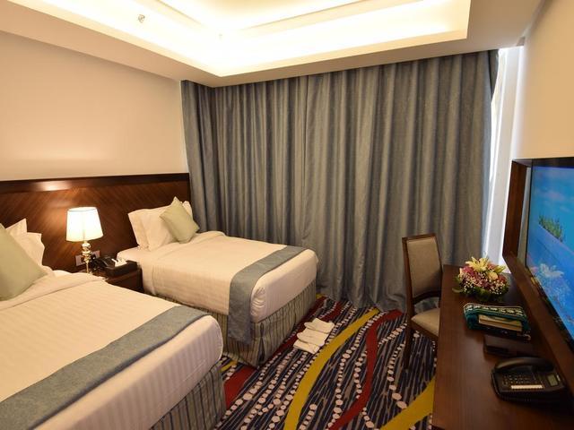 فندق روف جدة من مجموعة فنادق اربع نجوم في جدة