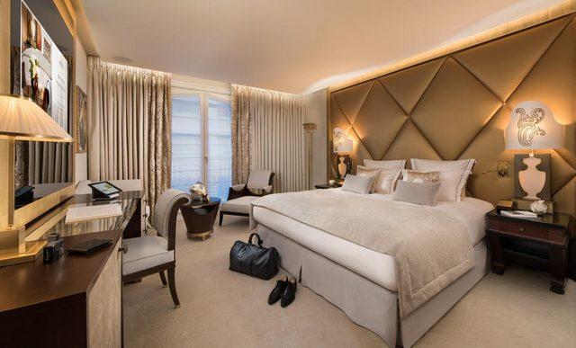 ديكورات رائعة للغاية في افضل فنادق باريس على الشانزليزيه