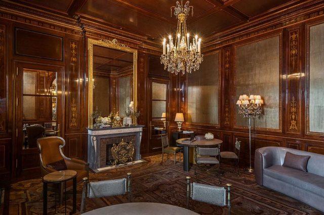 وسط أرقى أحياء باريس يقبع فندق كريون باريس الرائع