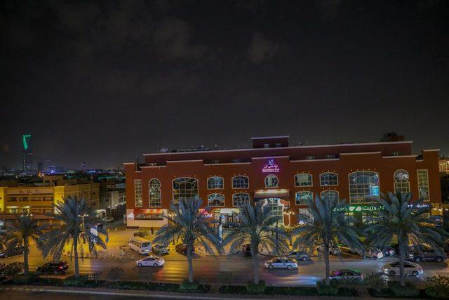 فندق بيزنز ان التحلية من فنادق بحي السليمانيه بالرياض