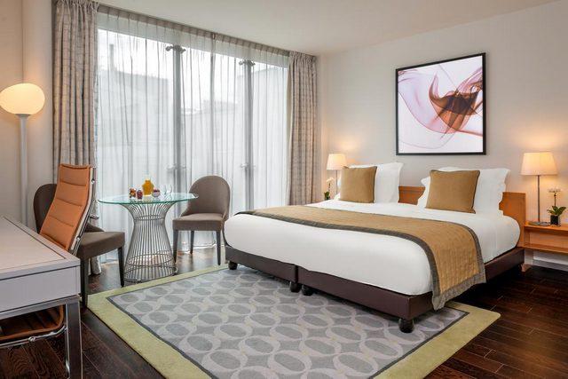واحد من فنادق باريس مطلة على برج ايفل هو فندق  فندق لاكليف باريس