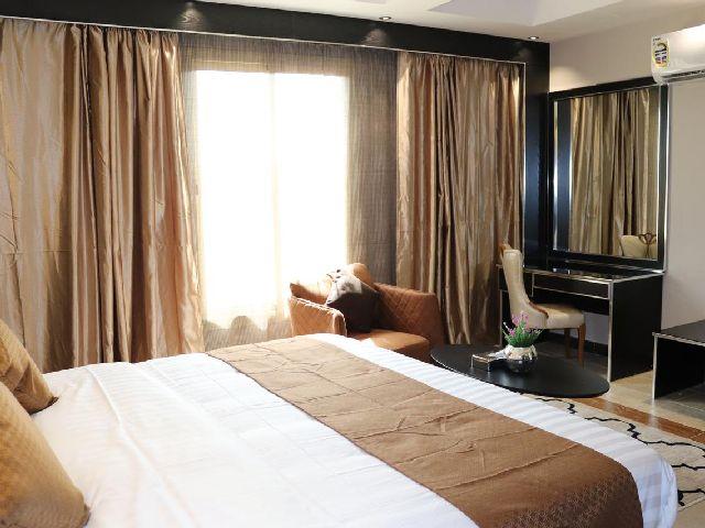 فندق راك جدة الرائع هو فندق مطل على البحر جدة
