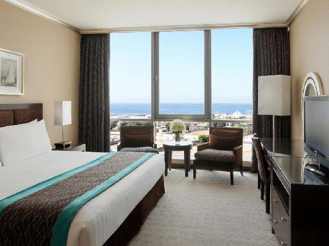 يعتبر فندق ايلاف جدة ذو الإطلالة الرائعة من فنادق جدة قريبه من الاسواق