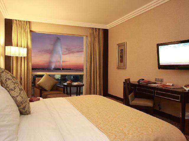يعتبر فندق كراون بلازا جدة من منتجعات جده على البحر الفاخرة