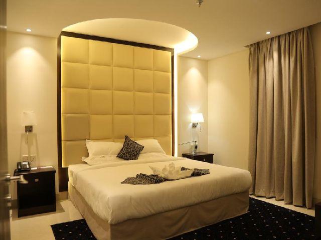 غرفة قياسية أنيقة في أحد فنادق حي البوادي جدة وهو فندق لمار البوادى