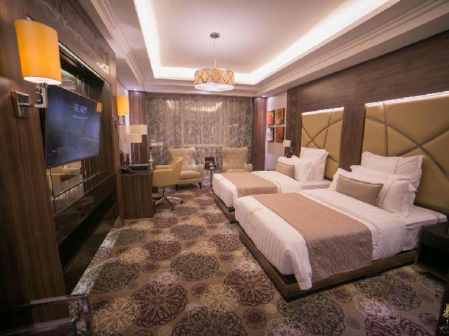 أناقة غرفة قياسية في فندق الدار البيضاء جراند من بين منتجعات شمال جده