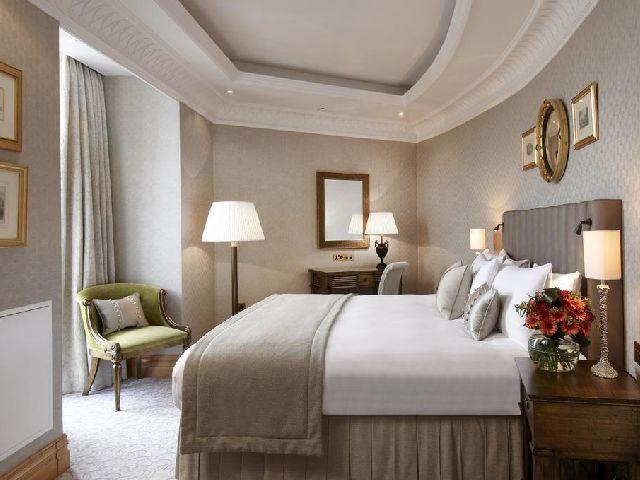 تضم قائمة فندق بارك لين لندن هيلتون بارك لين الرائع والفاخر
