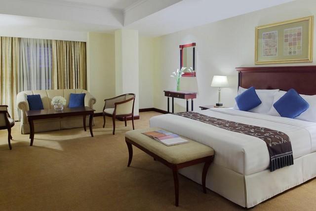 يُقدّم فندق المدينة موفنبيك خيارات فخمة ومُتعددة للعوائل والأزواج