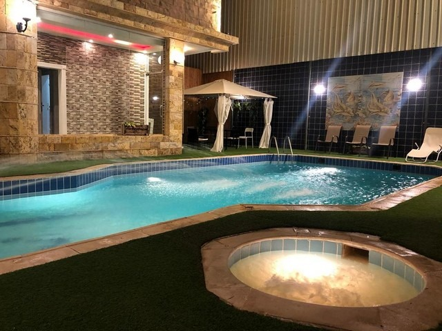 ليس هناك أجمل من الإقامة في شاليهات ابحر بمسبح خاص