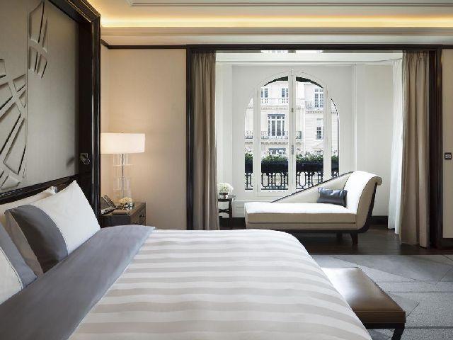 أثاث أحد افضل منتجعات باريس فندق بينينسولا باريس
