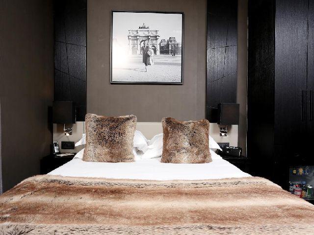 فندق شانزليزيه باريس من أفخم فنادق في باريس قريبه من الشانزليزيه