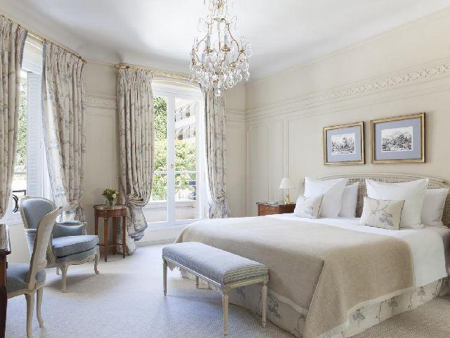 يتميز فندق بريستول باريس بأنه من افضل منتجعات باريس
