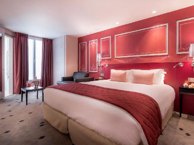 فندق بوشون باريس يعتبر أحد فنادق باريس القريبه من الشانزليزيه