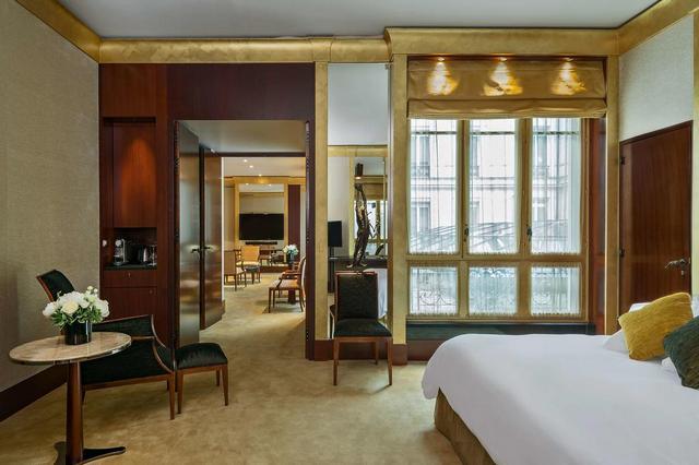 فندق بارك حياة باريس فاندوم من افضل فنادق وسط باريس وهو بتصميم يمزج بين الماضي والحاضر