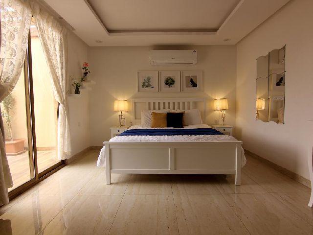 غرفة قياسية لأحد اجمل شاليهات الرياض