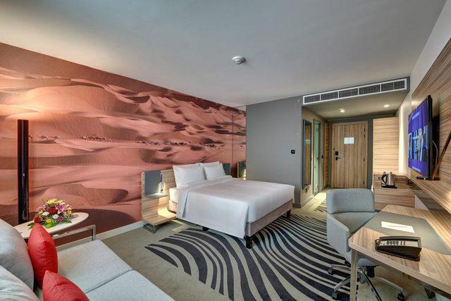 يُعد فندق نوفوتيل من فنادق الشارقة القريبة من دبي والأقرب على الإطلاق من مطار دبي