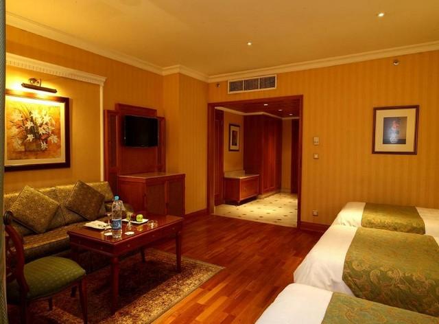 يُناسب فندق اوبروي المدينة المنورة العائلات لإحتواءه على غرف بعدد أسرّة مُنوّعة
