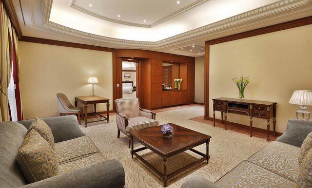 علامة كارلتون تكفي ليكون الفندق أحد الفنادق 4 نجوم التي تندرج تحت مسمى أحسن فندق في الرياض