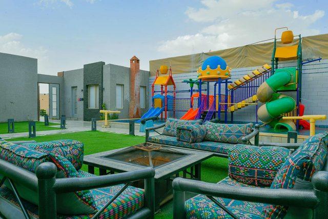 لخيارات أكثر خصوصية بين فنادق غرب الرياض، يُمكنكم العثور على شاليهات غرب الرياض رائعة