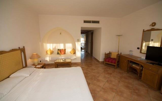 توفر فنادق خليج نعمة إطلالة ساحرة على شاطئ البحر الأحمر
