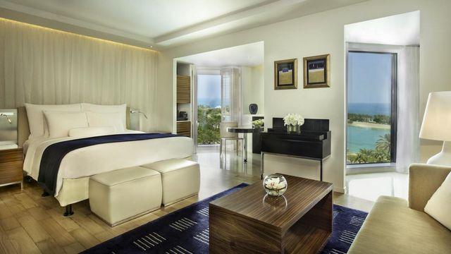 تبحث عن فنادق البحرين مع مسبح خاص ؟ هذا دليلك للحصول على أفضلها