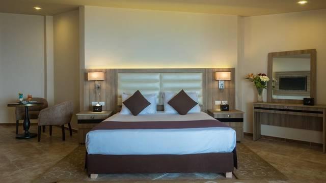 فندق سيتادل ازور يتميّز بالرقي والفخامة والغرف ذات التجهيزات العصرية