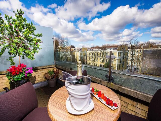 الإطلالات الشاعرية هي ما تجعل فندق كراون بلازا لندن كنسينغتون الوجهة المفضلة للعديد من الزوار.