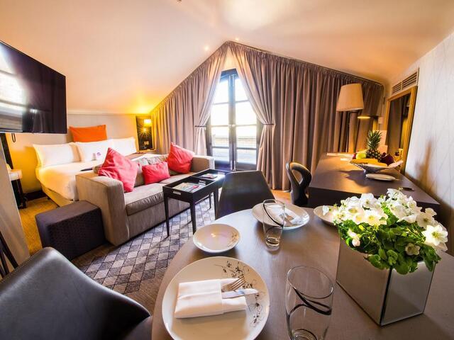 لن تضطر للقبول بغرفة إقامة بتصميم ممل، فغرف الإقامة في ندق كراون بلازا لندن كنسينغتون مميزة و تصميماتها متنوعة.