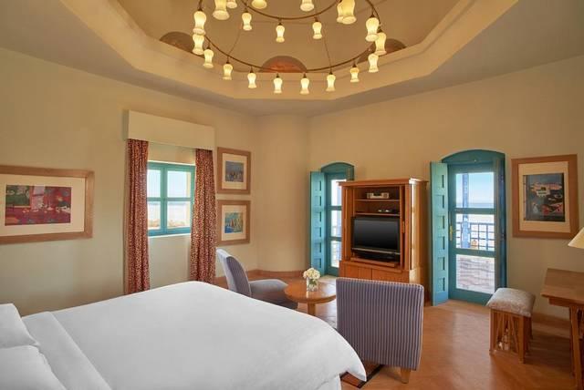 يُعد  منتجع شيراتون ميرامار الجونة أرقى فنادق الجونة الغردقة لكونه يضم العديد من المرافق الخدمية والترفيهية