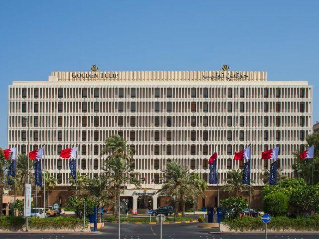 يتميز فندق جولدن توليب البحرين بمظهر رائع من الخارج